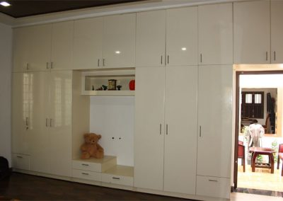 Nainar Cupboard